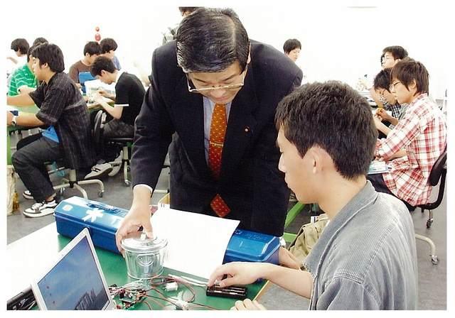 ロボット政策推進議連視察(千葉工業大学)